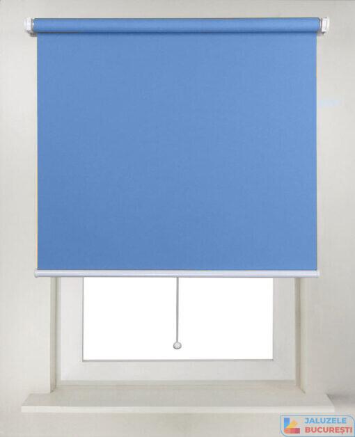 Rolete textile simple bleu pe zid - Jaluzele Bucuresti