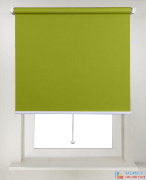 Rolete textile simple verde pe zid - Jaluzele Bucuresti